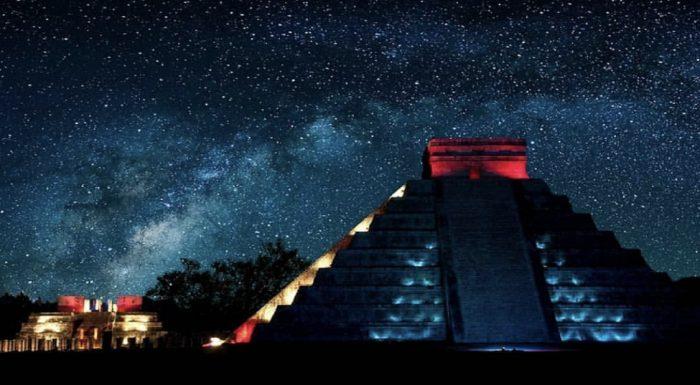 Noches de Kukulkan - Chichen Itza de noche